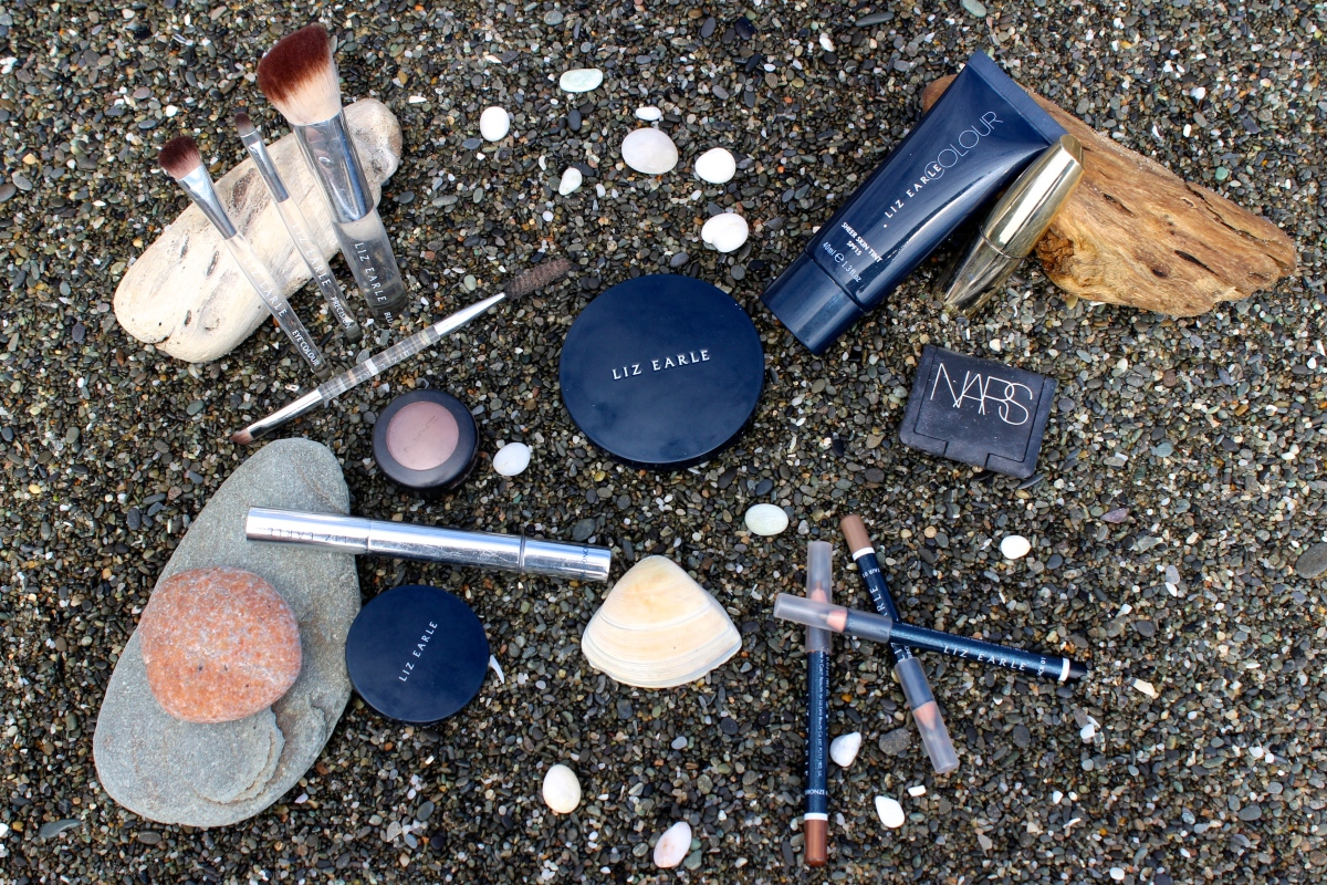 Deeper Dazzle blog what make-up to take travelling